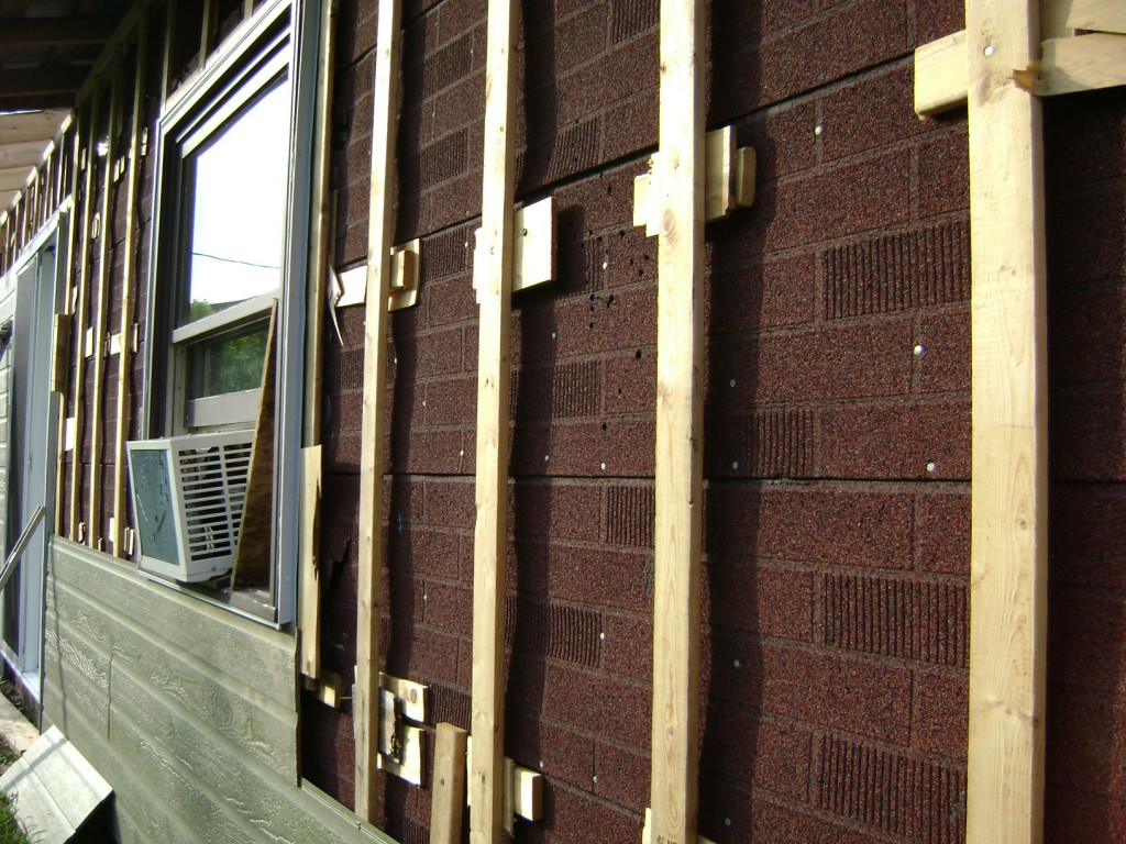 How to Install Siding on a House