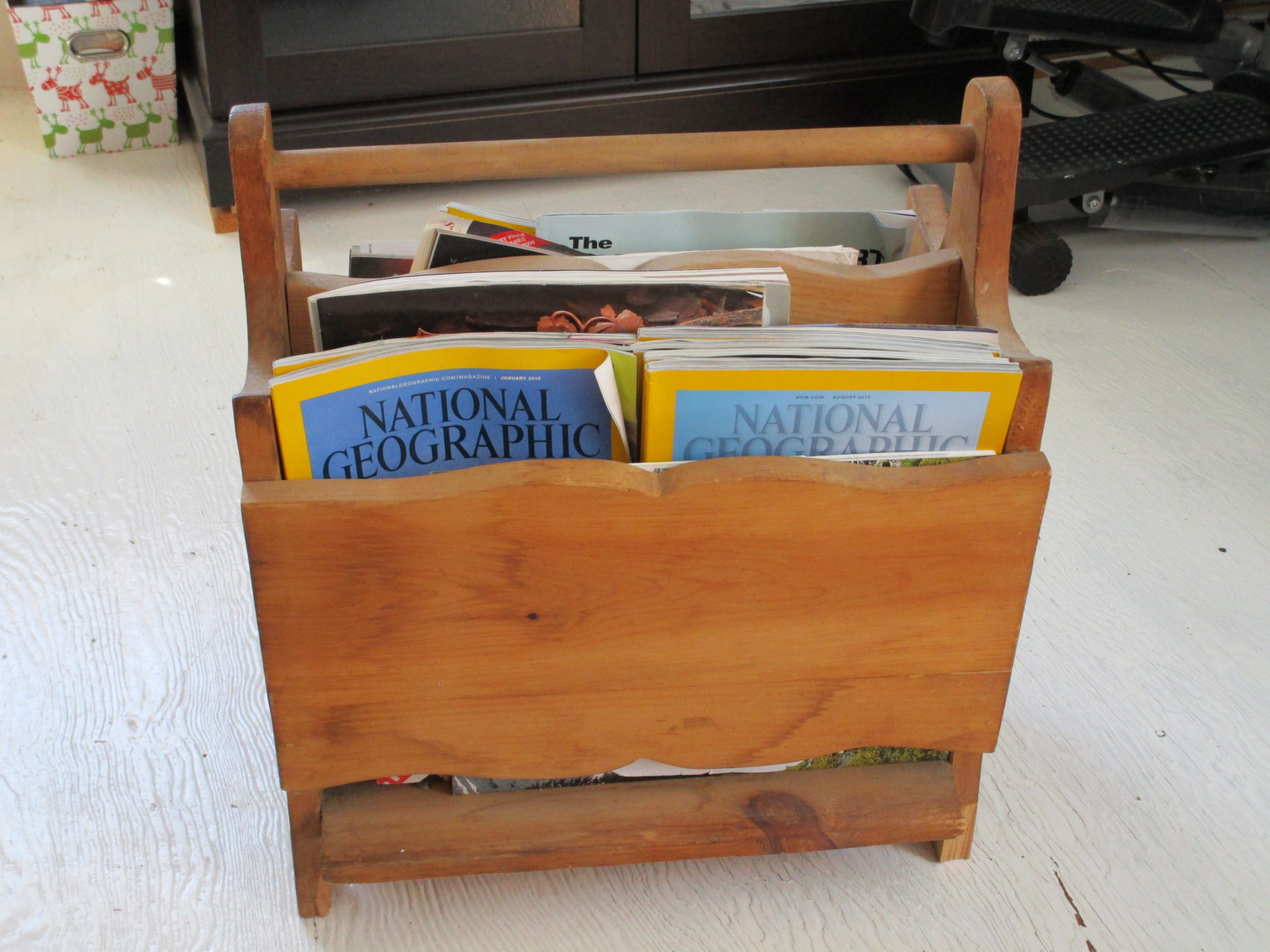 Furniture Magazine Stand